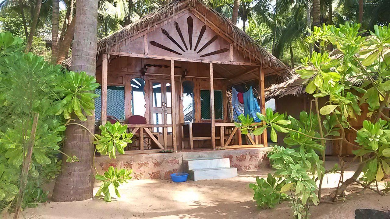 Blue Lagoon resort - beach hut Cola Beach South Goa
